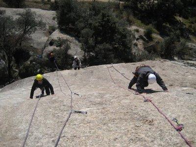 Battesimo di arrampicata e discesa in corda doppia a Torrelodones