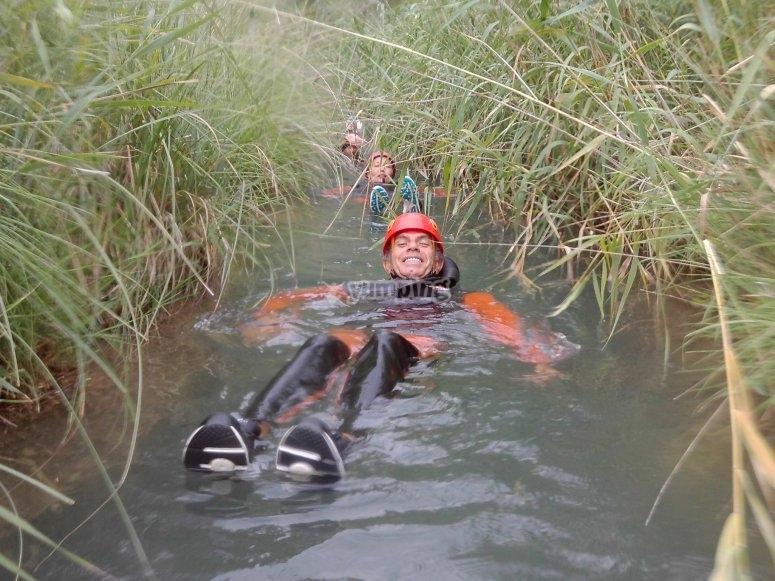 Aprende a flotar por el Río Cabriel