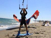 Bautismo de kitesurf en Málaga en grupo 4 horas