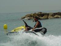 Derrapaje与水上摩托车