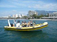 在马贝拉乘船游览
