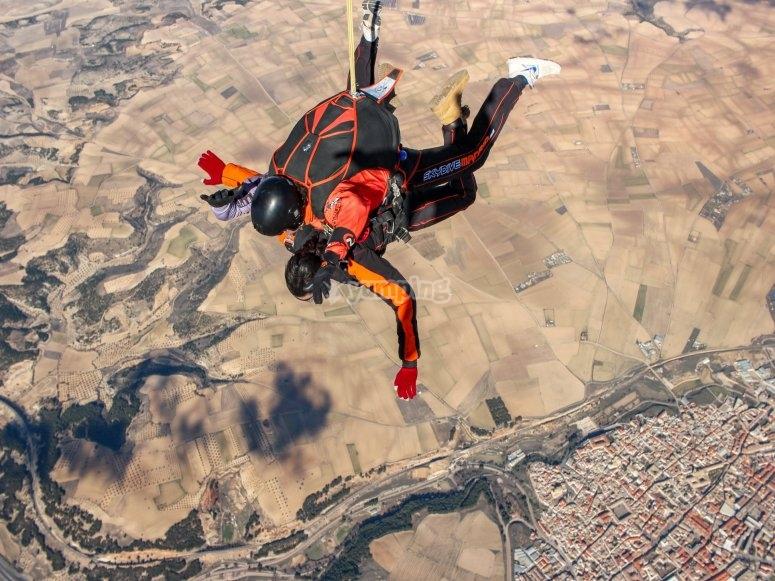 Abriendo el paracaídas
