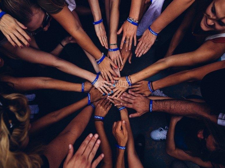 Ayudándonos entre todos