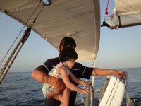 Nina的船掌舵