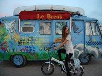 bicicleta y caravana retro