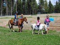 Peques en los ponies
