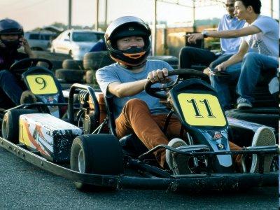 ¿Se necesita carnet de conducir para pilotar un kart?