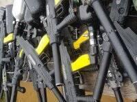 我们的彩弹射击武器