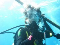 manejando la valvula del oxigeno