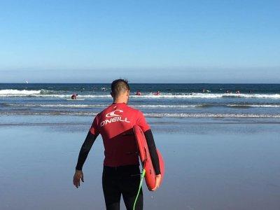 Escuela de Surf Pinos Laredo