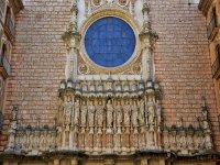 La fachada del monasterio