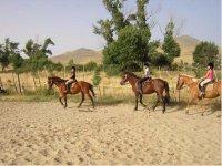 Equitacion infantil en la granja