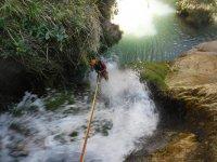 Rapeleando el barranco de agua