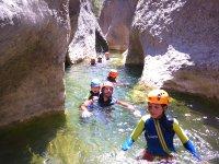 Trekking acuático con niños
