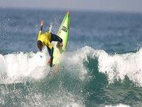 Lucha contra las olas