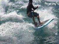 Clase de paddle surf en Teguise en playa Famara 3h