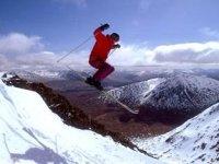 Los mejores saltos esquiando