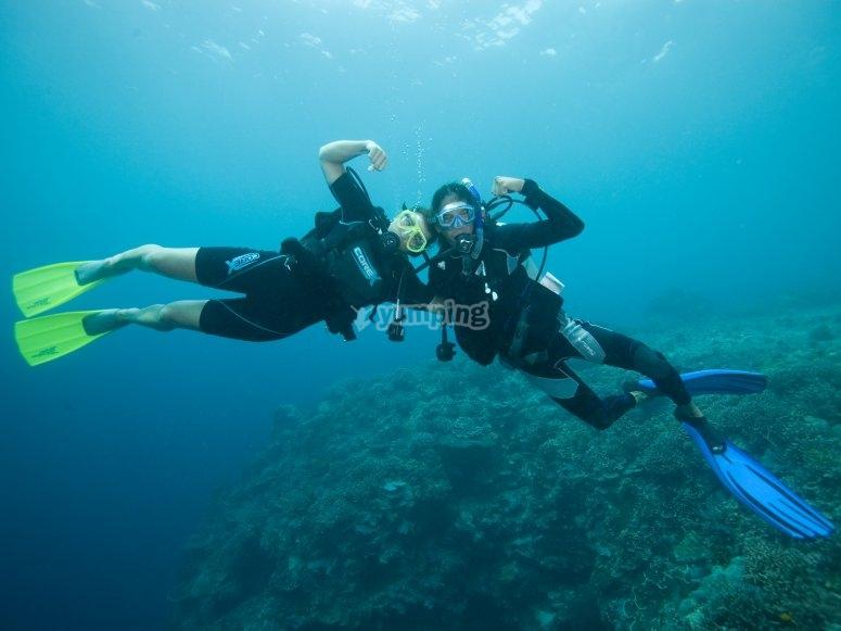 Divers in the sea´s shore in l'Ametlla
