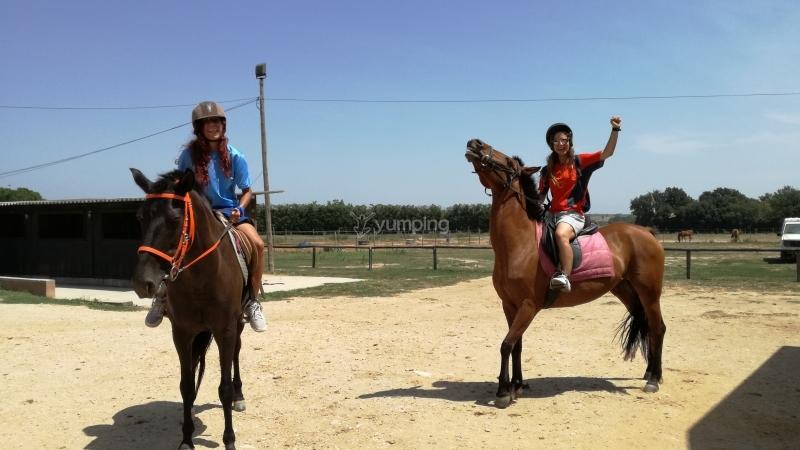 res_o-38553-rutas-a-caballo_de_esther-cabre-espada_15057496506604.jpg