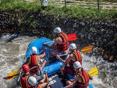 ¿Cuántas personas caben en un rafting?