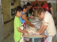 multiactividad para niños y comida