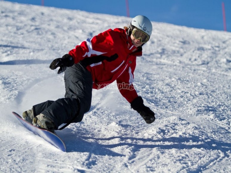 练习单板滑雪