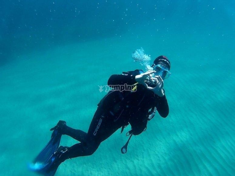密闭水域潜水员