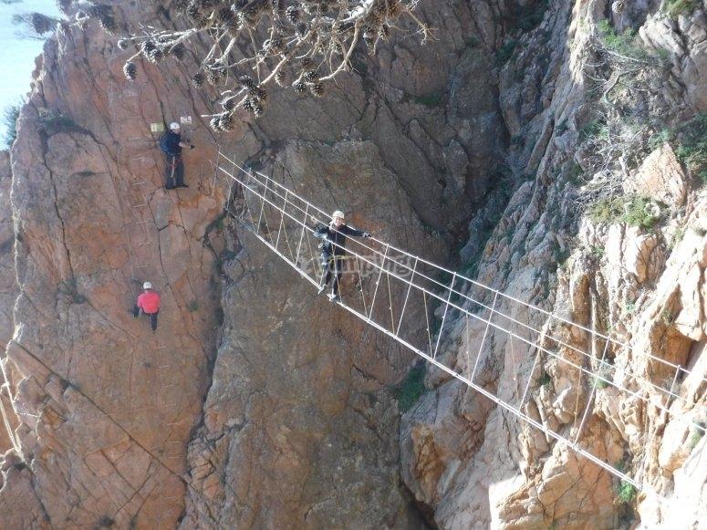Atravesando el puente tibetano