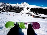 ¡Haz un curso de snowboard!