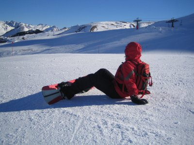 Rent a snowboarding equipment for 1 day, Girona