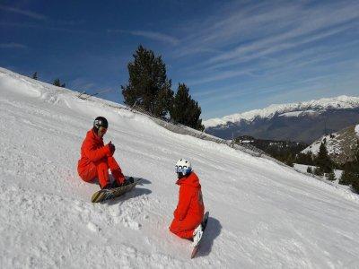 Clase de snowboard con material en La Molina 1 h
