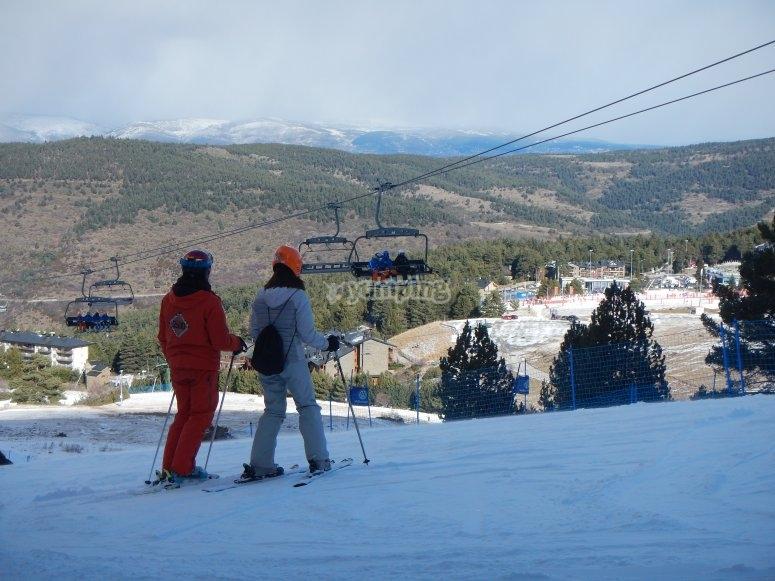 Durante la clase particular de esquí