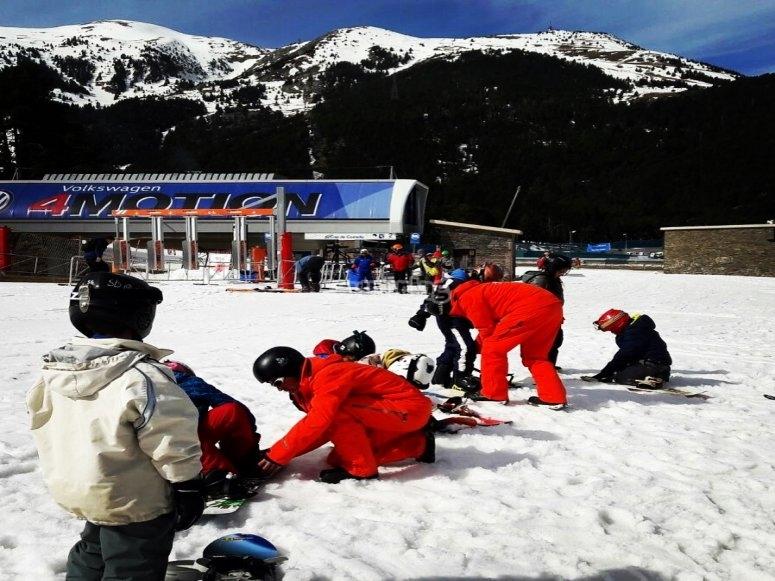 在拉莫利纳学习滑雪板课程