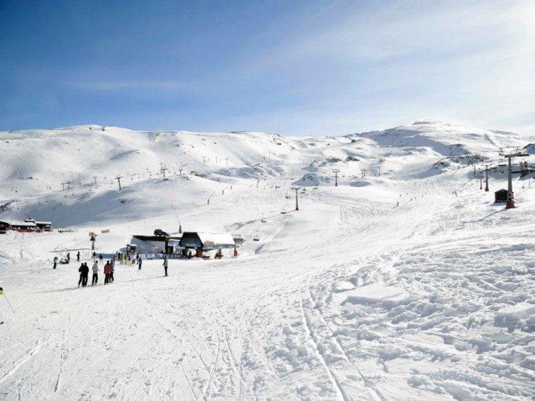 在内华达山脉学雪