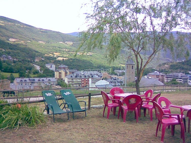 The centre terrace