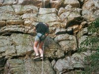 Aprende a descender en roca natural