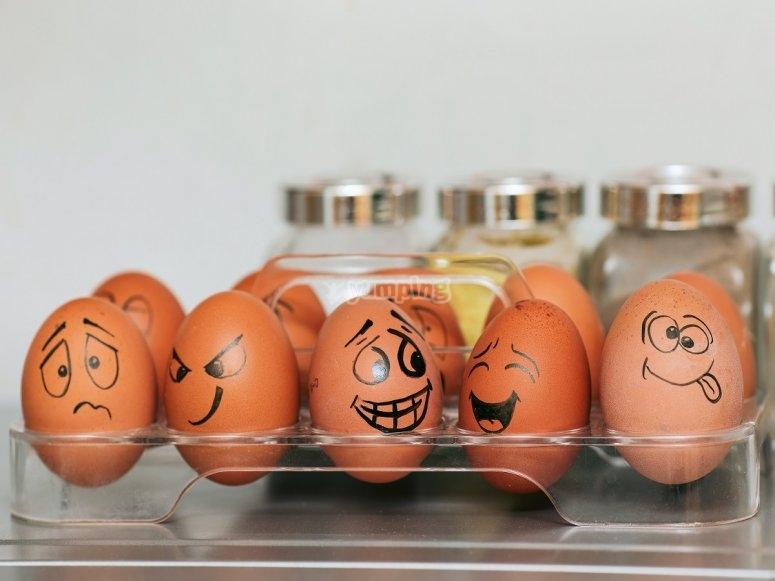 Sentimientos reflejado en huevos