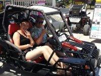 Preparados para la excursion en buggy