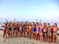 Con los nuevos amigos en la playa
