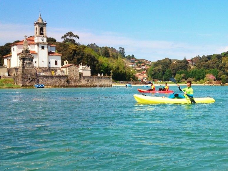 Partenza in kayak Iglesia Niembro Sol