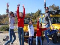 Diversion en familia haciendo turismo