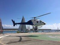 Helicoptero elevandose