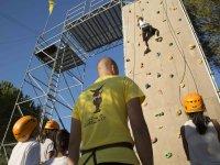 Escalando la pared