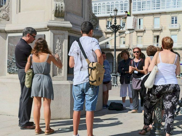 Deja que un guía te muestre la belleza que esconde A Coruña