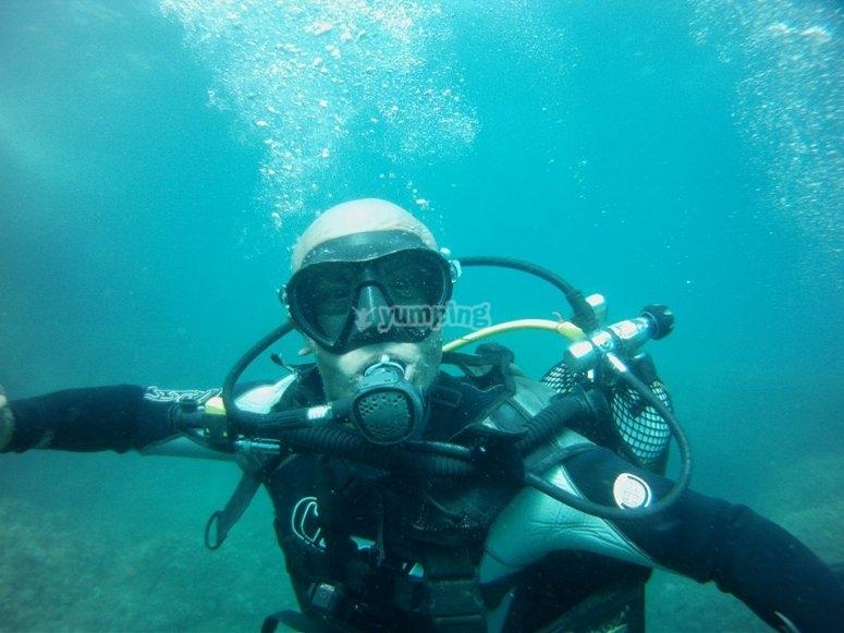 Haciendo submarinismo