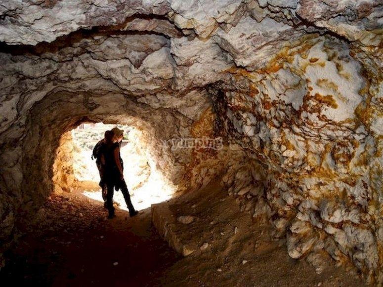 Siéntete científico por un día y practica el geoturismo en Níjar