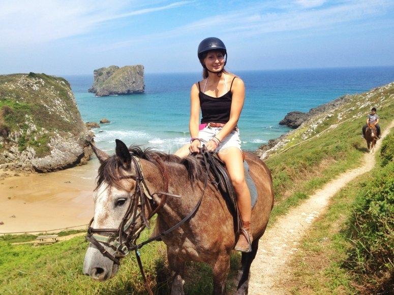Ruta a caballo en Llanes