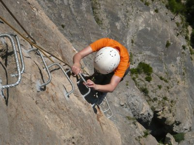 Tryton Guía de Barrancos y Montaña Vía Ferrata