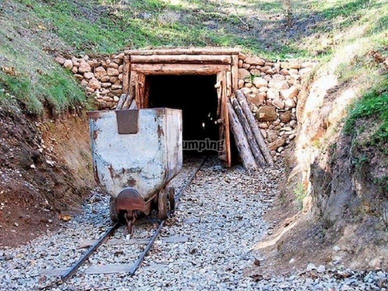Visita el complejo minero de Puras de Villafranca