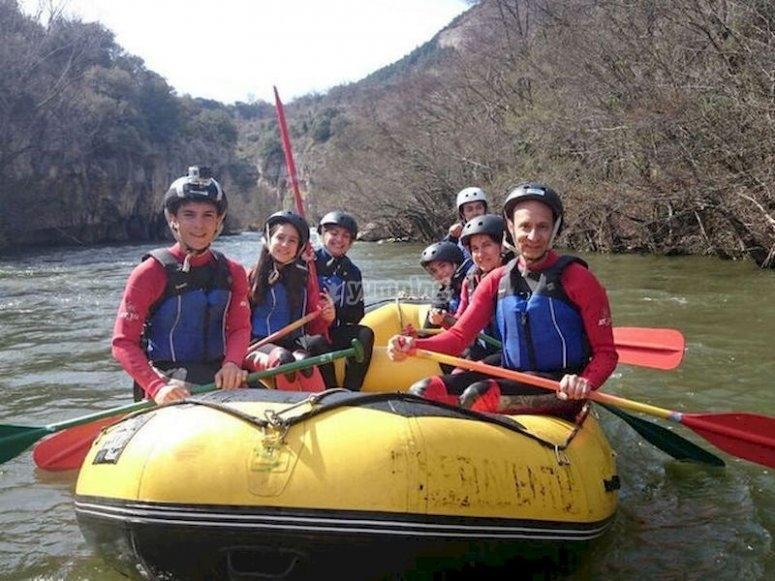 Desciende en rafting por los cañones del Ebro